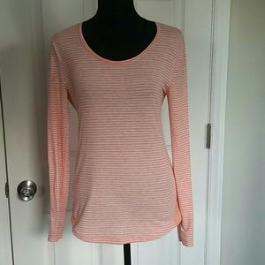Lucy Tech Long Sleeved Shirt Size Small